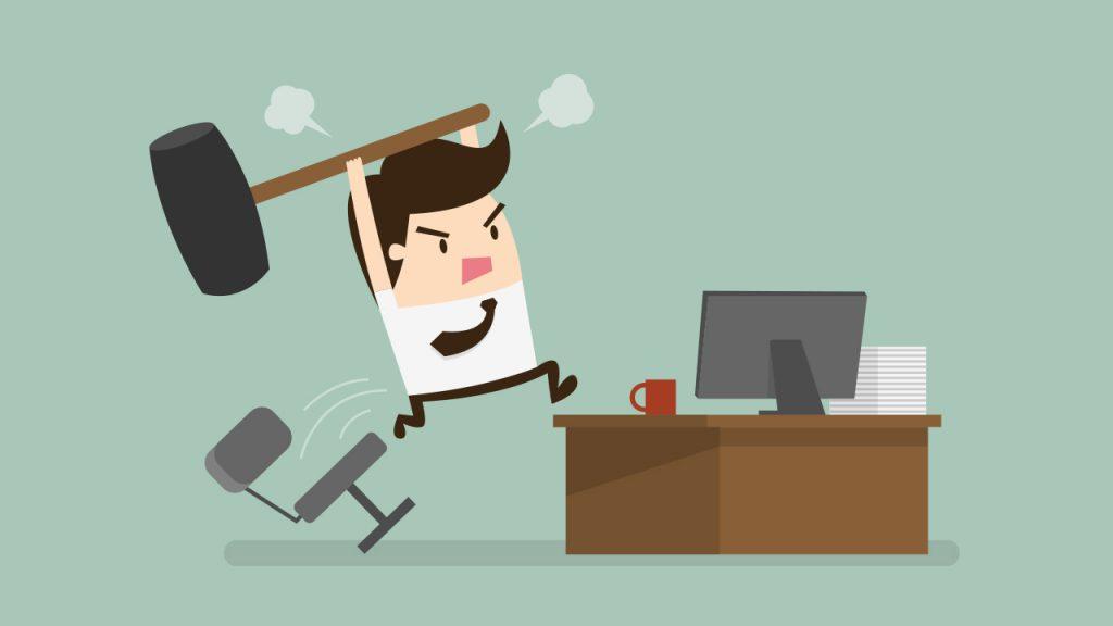 کارمند با نا رضایتی